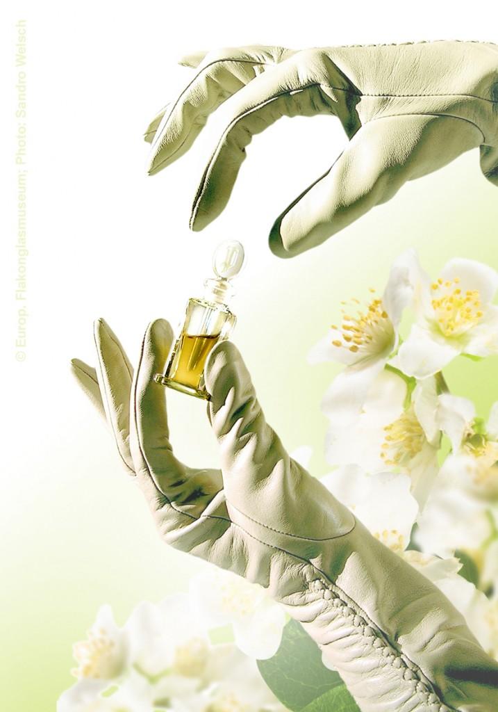 """Damenhandschuhe """"DAS PARFUM – LIMITED EDITION 2006""""®, Haarschaf Nappaleder, ungefüttert; Roeckl Handschuhe & Accessoires GmbH & Co. KG®, München/ Deutschland, 2006"""